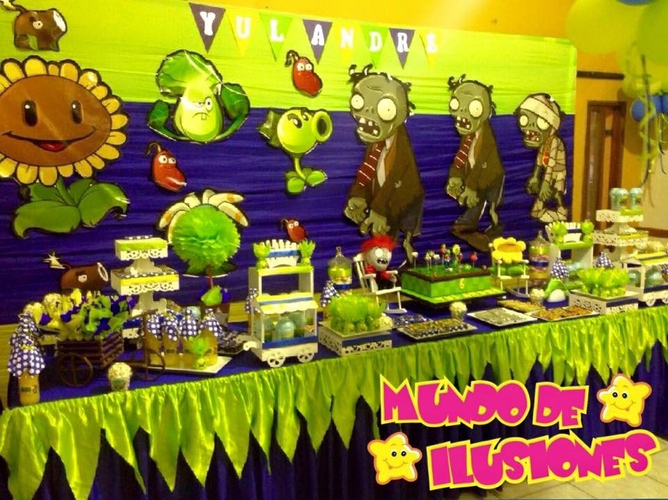 Decoraciones mundo de ilusiones for Decoracion con globos plantas contra zombies